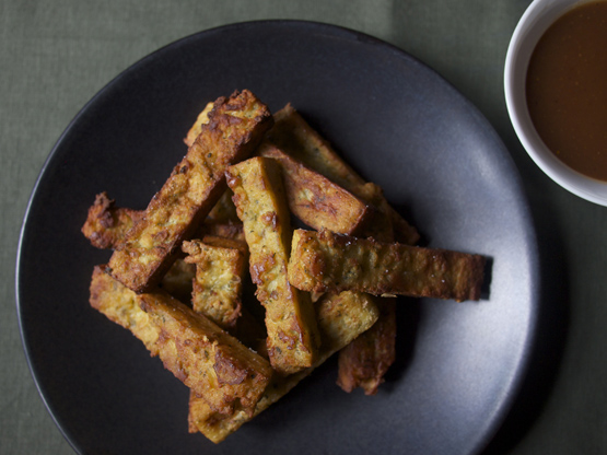 Spiced Fenugreek Chickpea fries with tamarind chutney