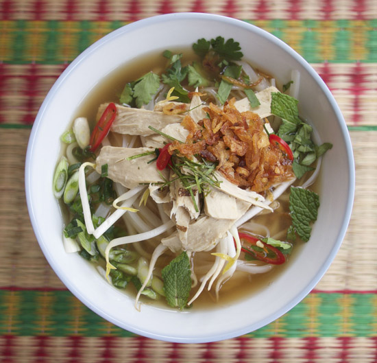 Vegetarian 'chicken' phở noodle soup using Beyond Meat Chicken strips